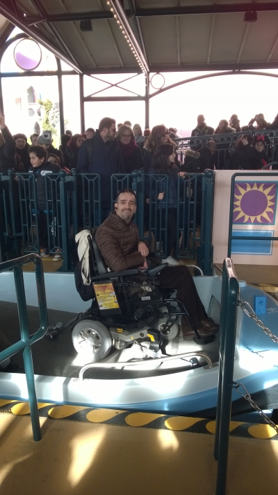 Photo d'un adhérent dans une attraction