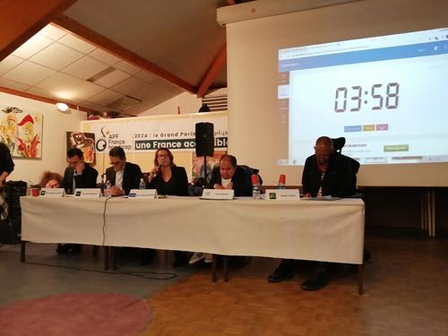 Yanis BACHA, Nestor CAFFA, Anne-Sophie COPPIN, Nicolas NORDMAN et Jean-Baptiste OLIVIER à la tribune
