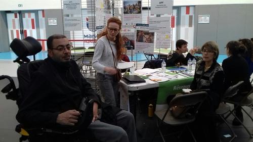 Stand APF France handicap au Salon des Aidants
