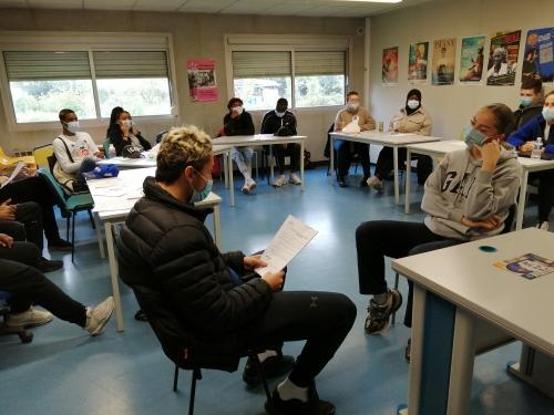 Photo de la formation à l'Annuaire des lieux de soins accessibles avec Unis Cité