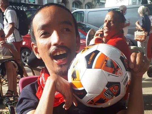 Damrong est prêt pour le match