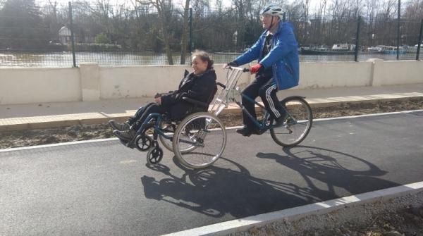 Photo du vélo fauteuil fabriqué à Saint-Maur qui devrait bientôt permettre de faire des balades pour tous sur les bords de Marne