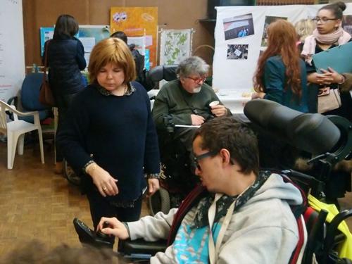 Photo de Carla Lucas et Alexandre Martel à la délégation APF France handicap de Paris