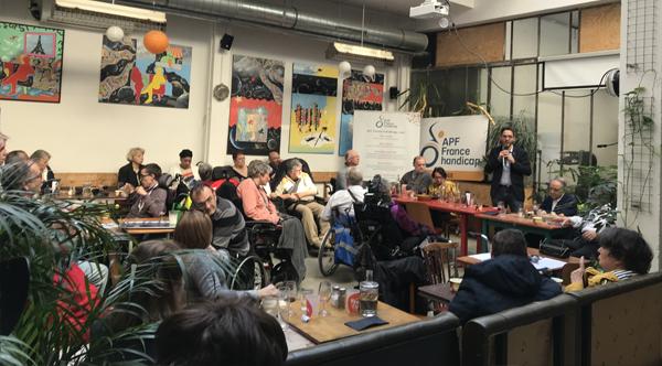 Photo de l'Assemblée Départementale de Paris le 30/03/19 : Nicolas Nordman, Adjoint à la Maire de Paris chargé de toutes les questions relatives aux personnes en situation de handicap et à l'accessibilité, répond aux adhérents