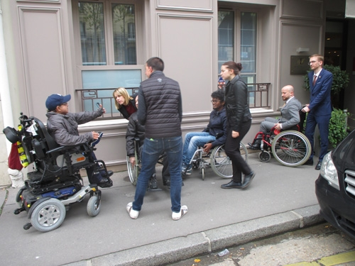 Sensibilisation au handicap moteur à l'Hötel le Cinq Codet