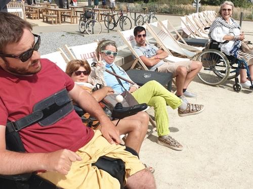 Petit groupe à la plage à Larmor Plage.
